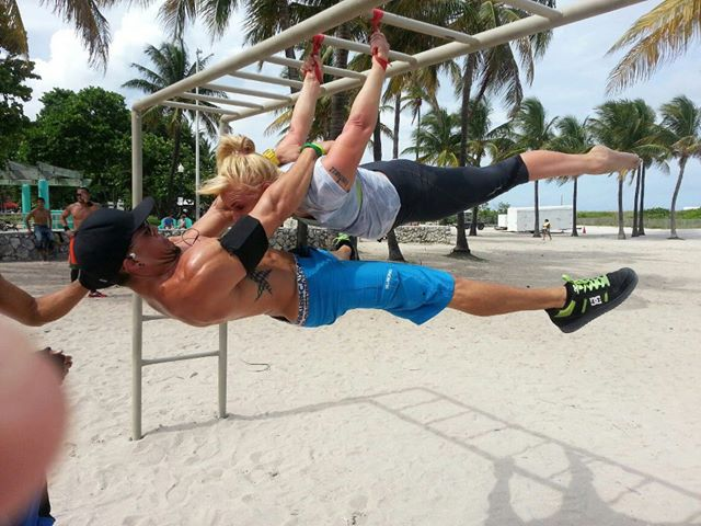 calisthenics double men woman